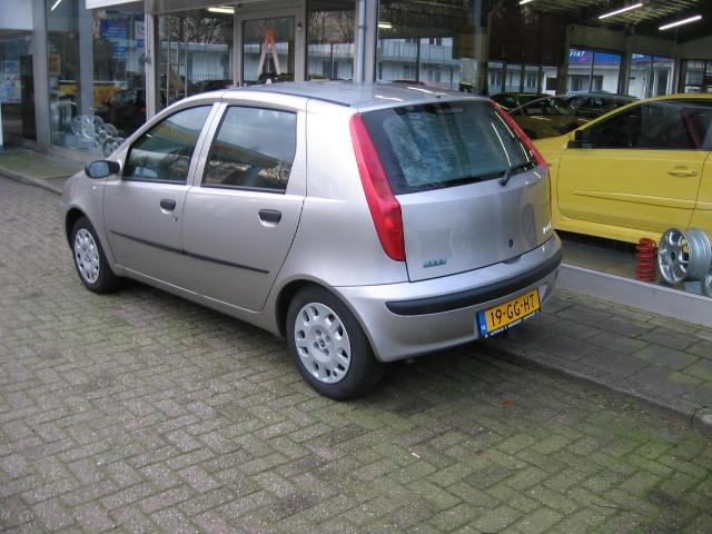 FIAT PUNTO 1.2 16v 80pk speedgear automaat 5drs Autohuis Ede van Wirdum B.V., 6711 ML Ede