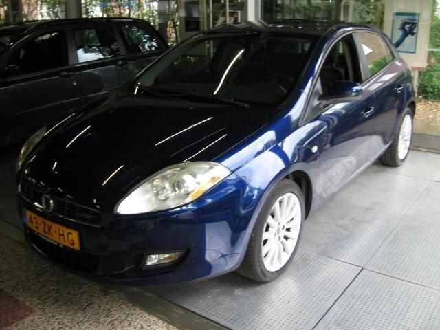 FIAT BRAVO dynamic diesel Autohuis Ede van Wirdum B.V., Ede