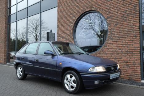 Opel Astra - Opel Astra 1.6-16v Edition met airco