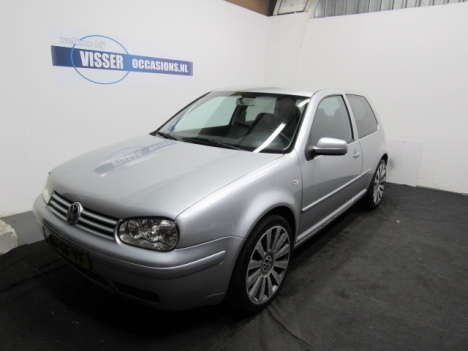 Volkswagen Golf - 2.0 Highline AUDIO(KICKER)