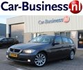 BMW 3-serie - 318d Touring High Executive + Leder + 17 inch LMV + Navi