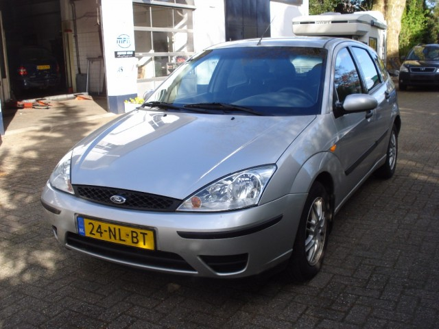 Ford Focus - 1.6 16v Cool Edition