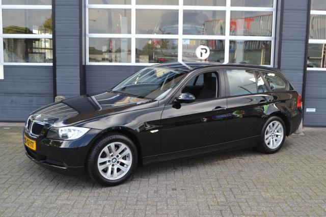 BMW 3-SERIE 318i Touring Executive/Navi Prof/Airco/PDC Autocentrum van de Ven, Almelo