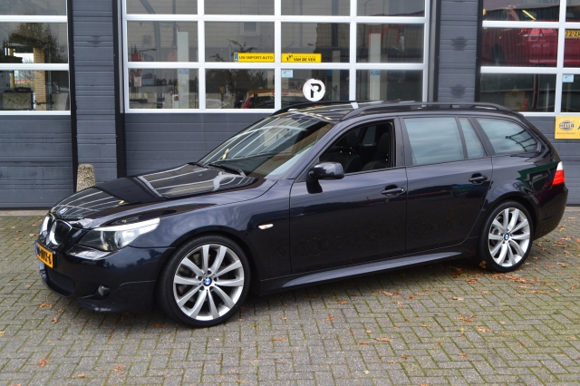 BMW 5-SERIE High Executive M-pakket/Xenon/PDC/Navi/Leer/Panorama KOOPZONDAG Autocentrum van de Ven, Almelo