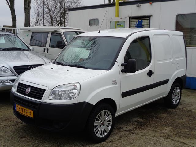 FIAT DOBLO CARGO 1.3 Multijet met zijdeur 142718km Garage Co Borst B.V., Heerhugowaard