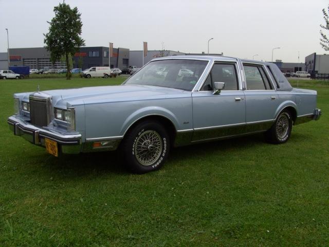 LINCOLN TOWN CAR SEDAN Special USA Cars, 7463 PB Rijssen