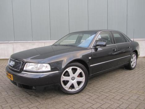 Audi A8 - 3.7 quattro