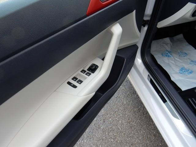 VOLKSWAGEN POLO VW POLO COMFORTLINE BUSINESS NIEUW TYPE van der Helm Autogasspecialisten, 7554 TD Hengelo