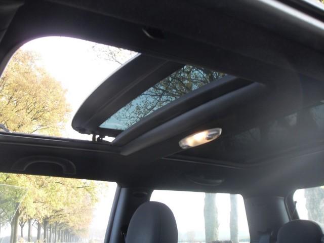 MINI COOPER 1.6 Cooper Panorama, Xenon T van Venrooy auto's, 5373 AG Herpen