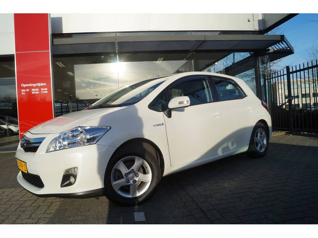 toyota auris 1 8 full hybrid aspiration. Black Bedroom Furniture Sets. Home Design Ideas