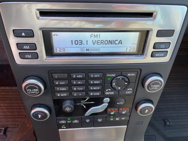 VOLVO V70 2.5 FT-231PK-Automaat-Summum-DVD Schermen-Trekhaak Autobedrijf Vogel, 7442 DR NIJVERDAL