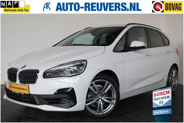 Bmw 2-serie - 218i Automaat / LED / Navigatie / Cruise Control