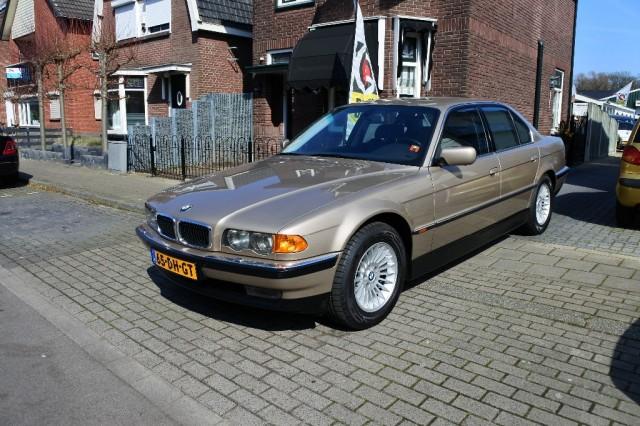 BMW 7-SERIE 750i V12 youngtimer - Auto Maikel, Enschede