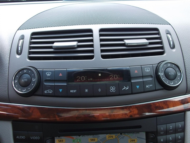 MERCEDES-BENZ E-KLASSE E 240 Avantgarde Combi Automaat *11.300 KM UNIEK* Auto Schloesser, 6433 JW Hoensbroek