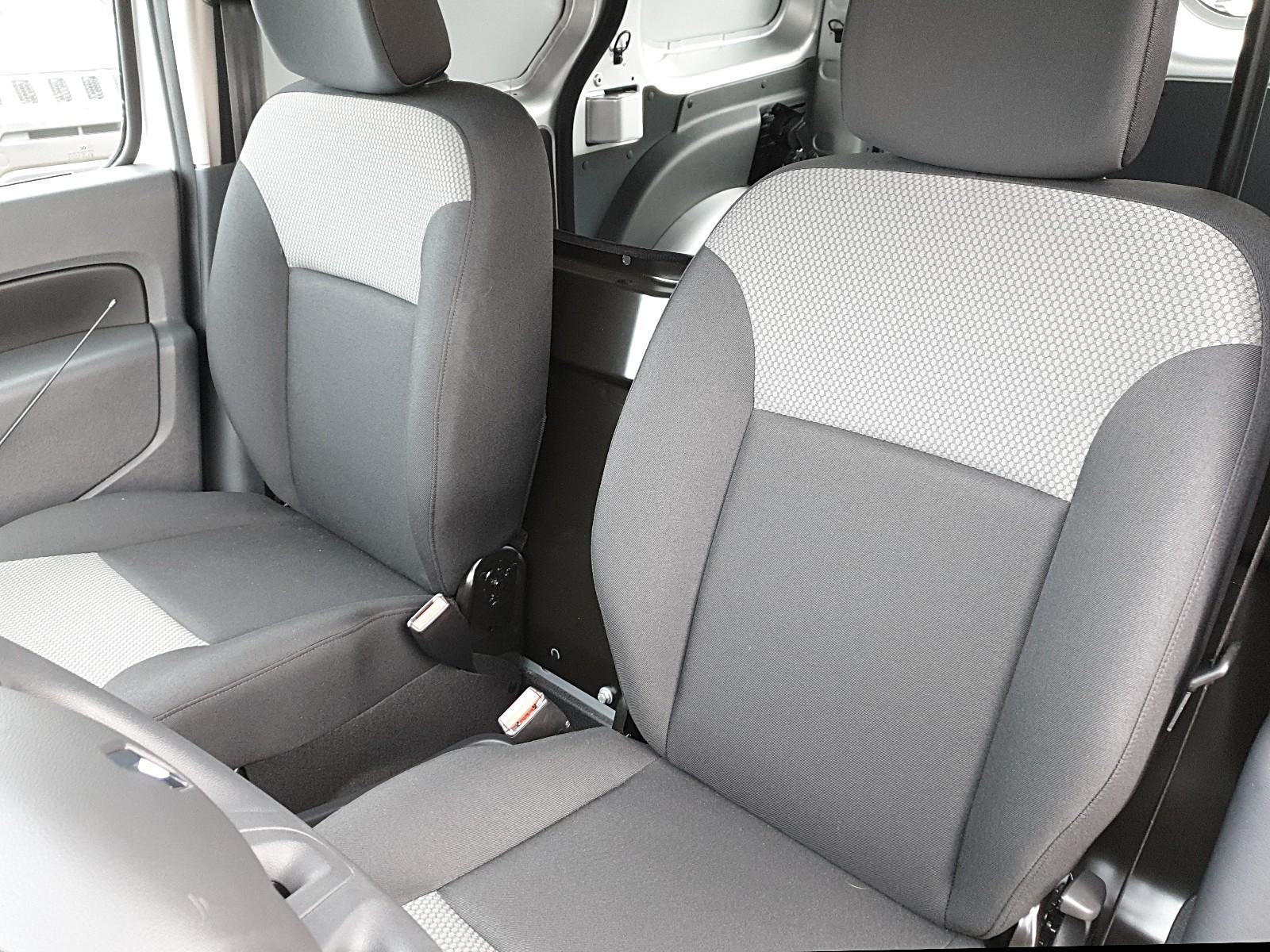 RENAULT KANGOO Rapid 1.5 dCi 90PS 2-Sitzer Klima Bluetooth PDC Tempomat Flügelt Viscaal Fahrzeuggrosshandel GmbH, D-49847 Itterbeck