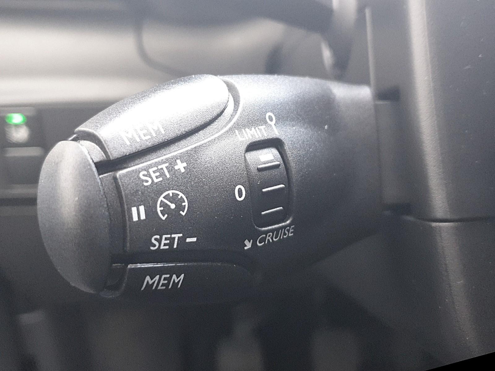 CITROEN C3 1.2 83PS Shine AirBump 5-Türig Klimaautomatik Navi PDC Temp. Neb Viscaal Fahrzeuggrosshandel GmbH, D-49847 Itterbeck