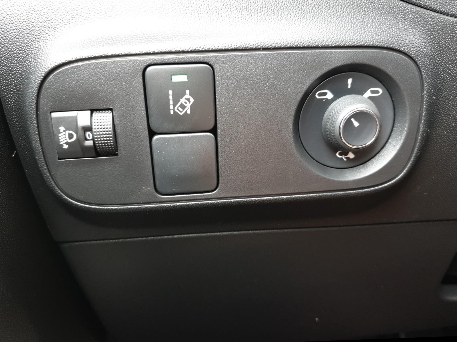CITROEN C3 1.2 83PS Shine AirBump 5-Türig Klimaautomatik Navi 17''LM PDC Rü Viscaal Fahrzeuggrosshandel GmbH, D-49847 Itterbeck