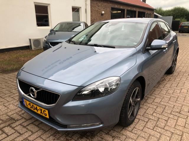 VOLVO V40 2.0 R-Design , Autobedrijf Goos, Breda