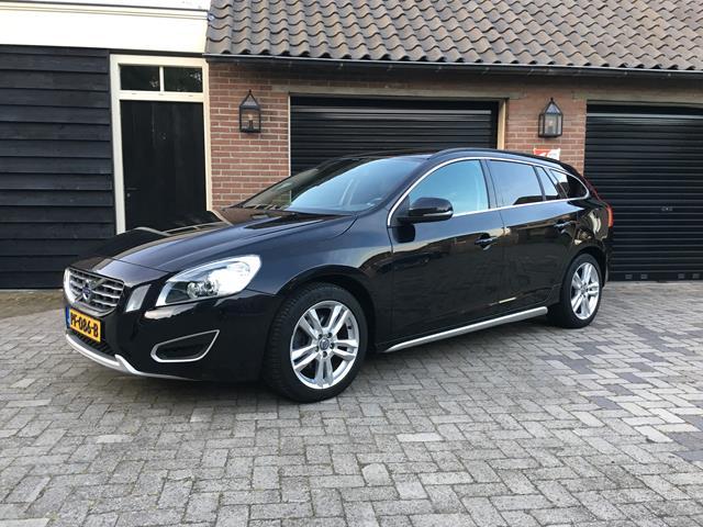 VOLVO V60 2.0 D3 Summum Leer Xenon NAVI 5 cilinder Carcenter Veldhoven, Veldhoven