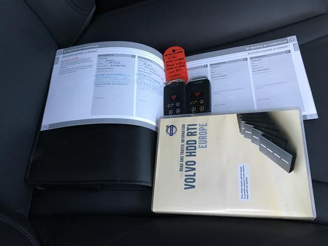 VOLVO V60 2.0 D3 Summum Leer Xenon NAVI 5 cilinder Carcenter Veldhoven, 5502 JB Veldhoven