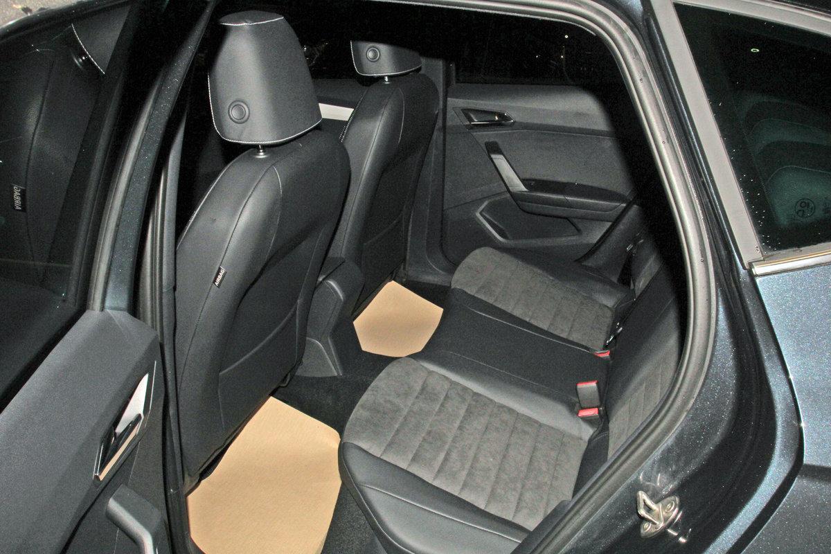 SEAT ARONA 1.0 TSI Xcellence, Kamera, ACC, LED, Navi, KESSY, virtual Auto Niedermayer B2B, D-94362 Neukirchen