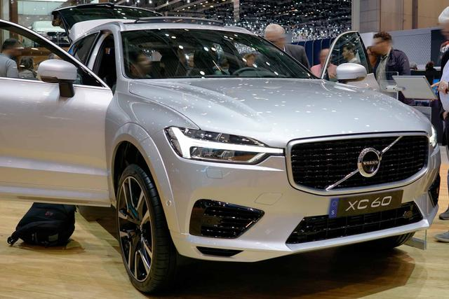 VOLVO XC60 Recharge R-Design T8 Plug-in Hybrid 390P... Autosoft BV, Enschede